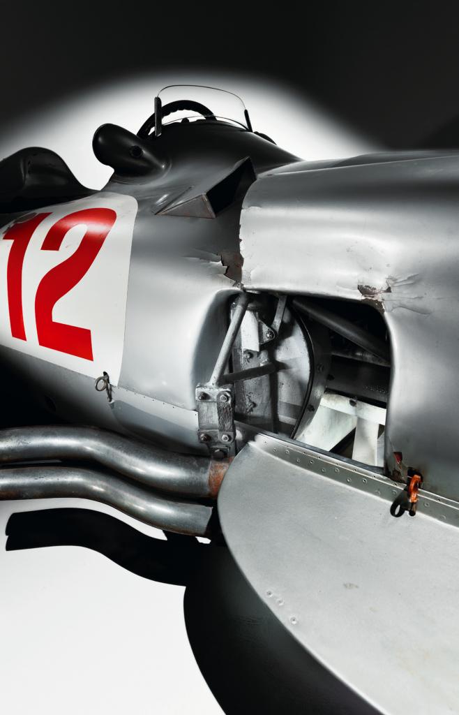 """歴史的なグランプリカー""""メルセデス・ベンツW196R""""が高額で落札された理由"""